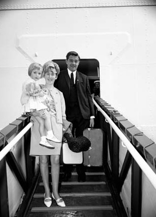 The Pearson family arriving on the Fairstar
